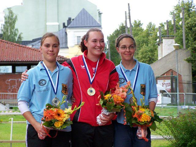 links 2. Platz Nicole Piechotta (GER) - Mitte 1. Platz Sandra Wicki (SUI) - rechts 3. Platz Nicole Gundert-Greiffendorf